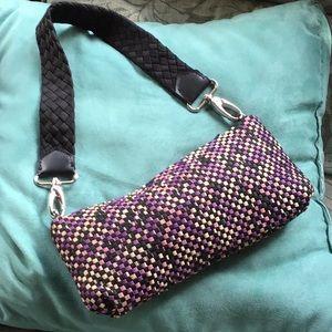 Super cute small shoulder bag the Sak